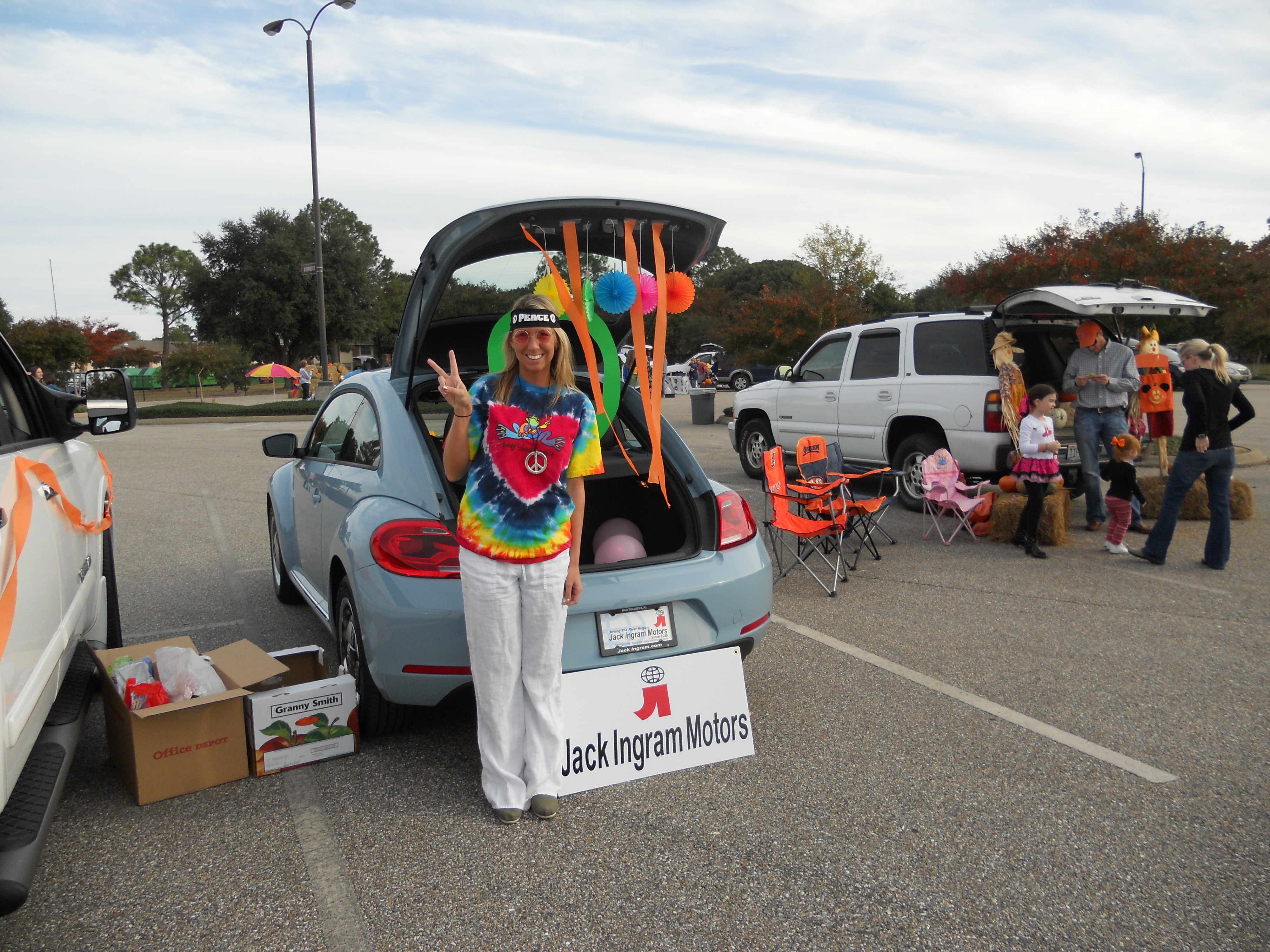 Trunk or Treat idea with my VW | Trunk or Treating Ideas | Pinterest