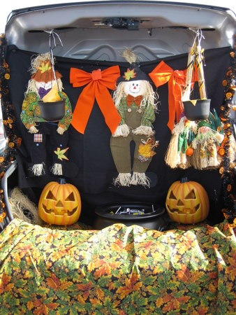 Here are some trunk or treat ideas we love: Tell us which is your ...